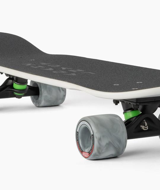 Landyachtz_Dinghy-Arctic-Fox_Cruisers_Longboard_Skateboard_angle2